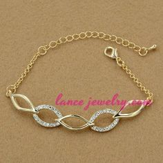 Simple chain with rhinestone beads decoration