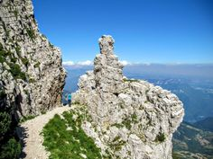 Monte Baldo Gardameer Places In Europe, Places To See, Old Town Italy, Beautiful World, Beautiful Places, Italy Holidays, World Images, Lake Garda, Italy Vacation