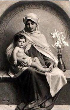 María con Jesús...¡Que bella imagen!
