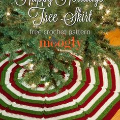 Today on Moogly I'm kicking off the holiday crochet season with a Tree Skirt! Fun, easy, and quick if you need it to be, you can make it in any size! Get the free pattern on Mooglyblog.com - link in my profile! 🎅🎄⛄ #crochet #mooglyblog #freebies #freepatterns Featuring @lionbrandyarn Vanna's Choice #crocheting #crochetersofinstagram #diy #lovetocrochet #crochetaddict #crochetlove #christmas #crafts  #handmadeholiday #holiday
