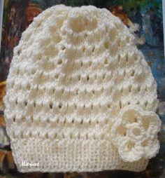 Gorro Para uma criança de 9 anos 01 novelo de 40g Família; agulha para tricot nº 4; Montar 76 p. na agulha e fazer p. barra 1/1 (*1m, 1t*) p...