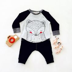 Hello Foxy! An adorable outfit for an adorable little guy. ❤️ #sparrowcouture #foxandfinch #sonnyangels #masterkidz #foxprint #blackjeggings #babyboys