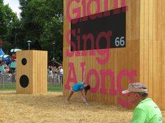 Giant Sing Along | Daily tous les jours