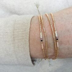 Champagne Gold Beaded Bracelet Minimalist Jewelry Tiny - Before After DIY Hair Jewelry, Beaded Jewelry, Jewelry Necklaces, Beaded Bracelets, Simple Bracelets, Jewellery, Custom Jewelry, Vintage Jewelry, Handmade Jewelry