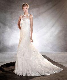 OSMELIA - Wedding dress with a crew neckline in guipure