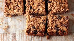 Cherry-Date Oat Bars, Stash one of these bars in your purse or backpack for a nutritious, gluten-free snack on-the-go. Breakfast Bars Healthy, Healthy Snacks, Breakfast Ideas, Power Breakfast, Eat Breakfast, Healthy Baking, Cookie Recipes, Snack Recipes, Bar Recipes