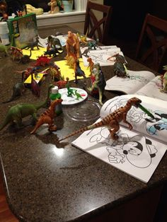 Fall Crafts For Kids, Kid Crafts, Dinosaur Photo, Dinosaurs, Activities For Kids, Projects To Try, Coloring, Autumn, Creative
