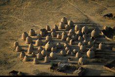 YannArthusBertrand2.org - Fond d écran gratuit à télécharger || Download free wallpaper - Greniers d'un village près de Tahoua, Niger (14°54' N - 5°16' E).