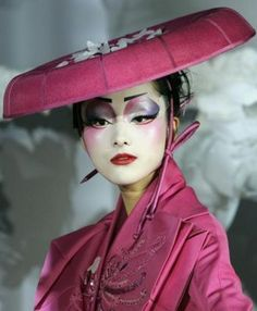 Fashion l♥ver: Geishe by John Galliano, Haute Couture Spring-summer 2007 John Galliano, Posh Clothing, Geisha Art, Rave Makeup, High Fashion Makeup, Glamour Photo, Dramatic Makeup, Shabby Chic Pink, Oriental Fashion