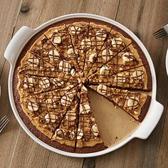 Peanutty Brownie Pizza - The Pampered Chef®