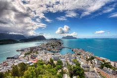 Ålesund, a town and municipality in Møre og Romsdal county, Norway. Photo by: Lisa-Mari Grytten