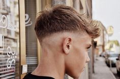 Cool Hairstyles For Men, Haircuts For Men, Fohawk Haircut Fade, Leather Fashion, Mens Fashion, Barber Haircuts, Justin Bieber Pictures, Look Man, Barber Shop