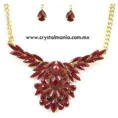 Set de collar y aretes en tono dorado con detalles en tono rojo estilo 30512