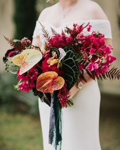"100 Layer Cake on Instagram: ""This stunnnnning bouquet is just one small detail in the quirky, creative Hollywood wedding at The Paramour Estate today! LA couples, if…"" Bougainvillea Wedding, Wedding Flowers, Wedding Planning Inspiration, Hollywood Wedding, 100 Layer Cake, The Freedom, House Plants, Big Day, Floral Wreath"