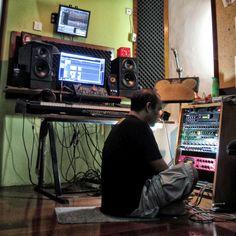 My Cockpit 2015 Home Recording Studio Recording Studio, Tv On The Radio, Home Appliances, Digital, Home Electronics, Kitchen Appliances, House Appliances, Rec Rooms, Music Studios