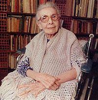 Nise da Silveira – psiquiatra, dedicou sua vida à psiquiatria e manifestou-se radicalmente contrária às formas agressivas de tratamento de sua época, pioneira da psicologia junguiana no Brasil.
