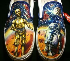 Amazing custom hand painted Vans with highly detailed Star Wars portraits. Painted Canvas Shoes, Painted Vans, Hand Painted Shoes, Custom Vans, Custom Shoes, Cool Vans, Shoe Art, Loafers For Women, Vans Classic