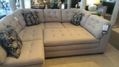 $900 SECTIONAL