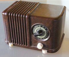 General Electric G-E Radio GD-406 Midget Tube Bakelite/Catalin Radio
