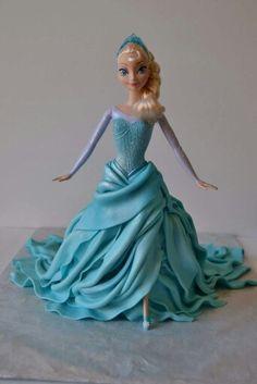 Frozen Elsa doll cake