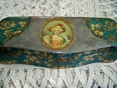Antique Victorian Ladies Glove Box
