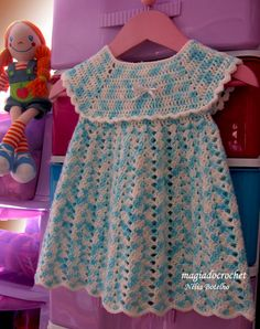 Vestidinho em crochet , seguindo outros modelos já publicados aqui no blog mas, como sempre, vou alterando pequenas coisa para não ficarem ...