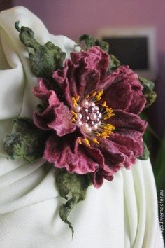 summer wedding corsage to keep forever felt jewellery flower brooches for gifts or for that perfect guest ensemble , inspiration Валяная брошь-заколка. Felt Flowers, Diy Flowers, Fabric Flowers, Paper Flowers, Textile Jewelry, Fabric Jewelry, Nuno Felting, Needle Felting, Felt Brooch