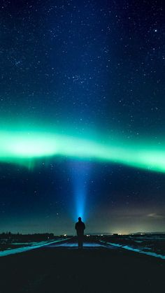 Aurora sky road man alone o Iphone Wallpapers Hd - Best Home Design Ideas
