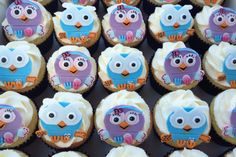 Hoot and Hootabelle Cupcakes for baby shower ( do that in bat instead of owl) Baby Shower Cupcakes, Birthday Cupcakes, 1st Birthday Parties, Birthday Ideas, Twin Birthday, Dora The Explorer, Party Cakes, Party Party, First Birthdays