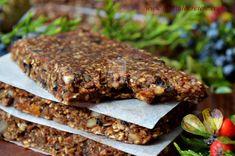 Batoane energizante cu fructe (raw-vegane) - CAIETUL CU RETETE Healthy Protein Snacks, Healthy Eating, Vegan Sweets, Raw Vegan, Deserts, Beef, Food, Diet, Salads