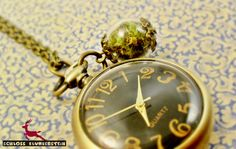 SCHLOSSPARK echtes Moos Kettenuhr Antik Look  von Schloss Klunkerstein - Designer Schmuck Manufaktur & Armbanduhren für besondere Menschen. Naturschmuck, Geschenke, Vintage Raritäten mit Geschichte! auf DaWanda.com