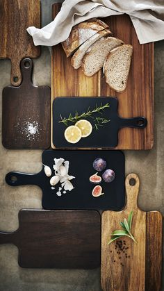 Discover our selection of stylish cutting boards — perfect as housewarming gifts or just to spruce up your kitchen. | H&M Home