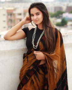 Telugu Actress Pujita Ponnada Latest Hot Photoshoot Stills. Beautiful Girl Indian, Beautiful Saree, Beautiful Females, Beautiful Models, Beautiful Birds, Fashion Clothes, Girl Fashion, Fashion Outfits, Indian Girls Images