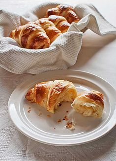 Cómo hacer croissants, repostería básica con Thermomix Cooking Chef, Easy Cooking, Kitchen Recipes, My Recipes, Best Cooker, Croissants, Good Food, Yummy Food, Sunday Breakfast