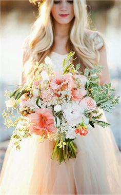 oversize bridal bouquet - Kristina Curtis Photography
