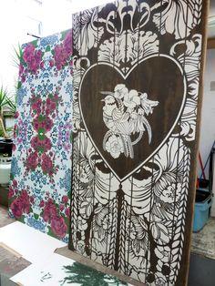 As an aerosol and stencil artist with a fine art degree, Flox has been making her mark on the inner cityscape of Auckland since Outside Wall Paint, Maori Patterns, New Zealand Art, Nz Art, Maori Art, Sculpture Projects, Steel Sculpture, Mural Art, Art Club