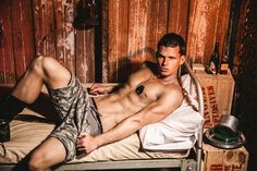 Time to undress the stress away. The weekend is only hours away… campaign, photographer - JAMES DEMITRI Perfect Legs, Dream Boy, Shirtless Men, Toy Soldiers, Beautiful Legs, Athletic Wear, Lineup, Hot Guys, Campaign