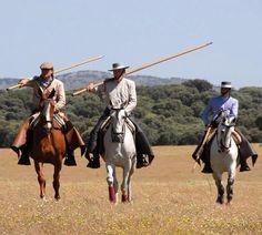 Faenas  de campo Most Beautiful Horses, Pretty Horses, Western Riding, Spanish Fashion, Andalusia, Cute Photos, Horseback Riding, Dressage, Equestrian