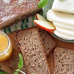 Chleb żytni razowy na miodzie i na zakwasie