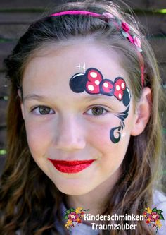 mouse face painting for kids Kids Face Painting Easy, Face Painting Colours, Girl Face Painting, Face Painting Designs, Face Painting Tutorials, Mickey Mouse Face Painting, Disney Face Painting, Fair Face, Face Paint Makeup