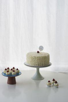 Lemon Lovely: Bridal Shower Cake for Katie! | Coco Cake Land - Cake Tutorials, Cake Recipes, Cake Blog, Cakes Vancouver