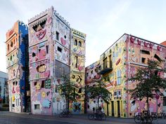 The most colorful cities in the world - HAPPY RIZZI HAUS, BRAUNSCHWEIG, GERMANY