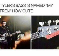 "Tyler's bass is named ""my fren."" Would've thought that'd be his piano or ukulele. But I guess not. Tyler Joseph, Tyler And Josh, Twenty One Pilots, Twenty One Pilot Memes, Josh Dun, Clique Art, Screamo, Top Memes, Band Memes"