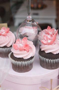 Girly Cupcakes www.linneaahle.wordpress.com