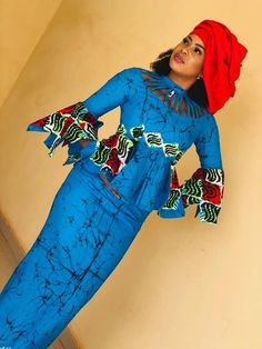 50 African Designs for Women's Clothing. Hi ladies. These African designs are unique and vibrant fashion collection, you should try rocking your best choice to the next event you'll be attending. African Fashion Ankara, Latest African Fashion Dresses, African Print Fashion, Africa Fashion, Best African Dress Designs, African Design, African Party Dresses, African Print Dresses, African Prints