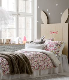 That headboard is so cute. Product Detail | H&M US