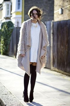 This is so perf. #fallstyle #knitwear #fashion