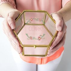 Gold glass keepsake box is personalized with a custom engraved large single initial, 2 letter monogram or name measuring 5 inches long by 5 inches wide by 2 inches tall. Modern Jewelry Box, Glass Jewelry Box, Jewelry Drawer, Mom Jewelry, Cross Jewelry, Jewelry Stores, Jewelry Gifts, Unique Jewelry, Jewelry Holder