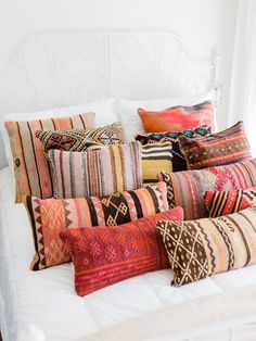 Kilim pillow covers from Turkey at Foraged Home - Living Foraged - Boho Pillows, Kilim Pillows, Throw Pillows, Lumbar Pillow, Cute Dorm Rooms, Moroccan Decor, Carpet Colors, My New Room, Soft Furnishings