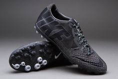 Nike Bomba Finale II - Black/Blue Hero